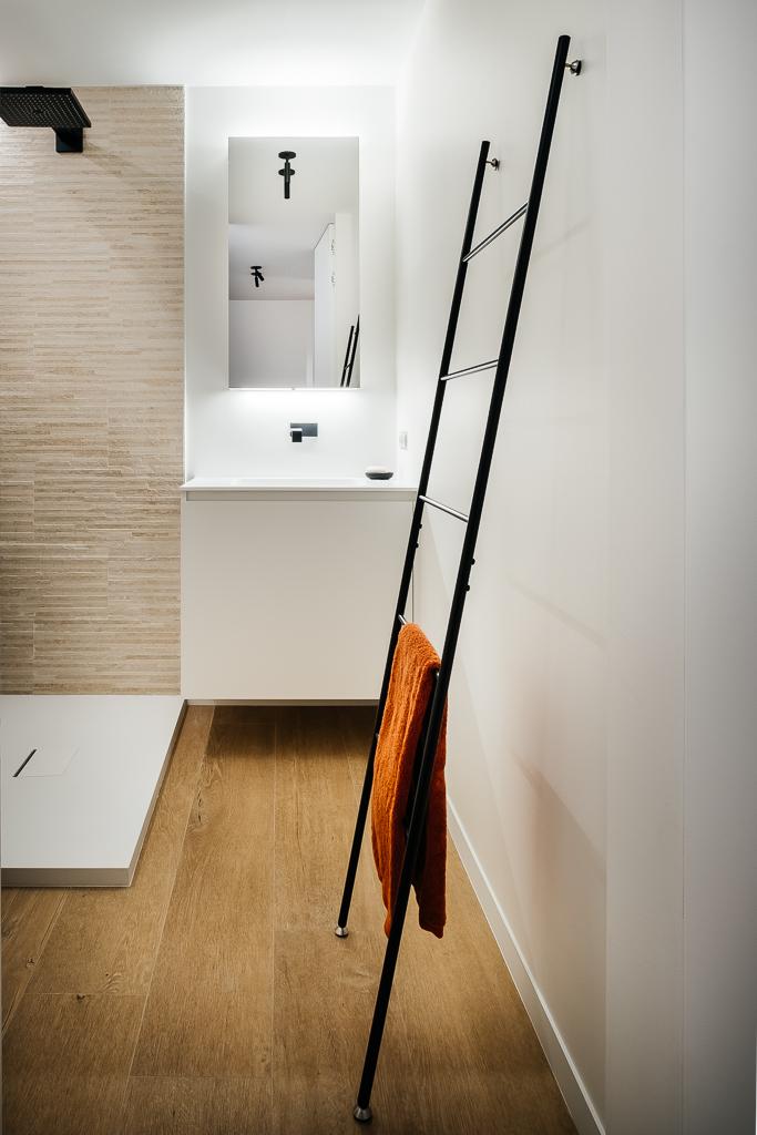 Afbeelding project Tijdloze totaalinrichting appartement aan zee